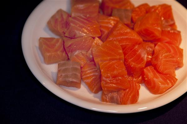 'ปลาแซลมอนย่างซีอิ๊ว' อร่อยเบาๆ จนต้องยกนิ้วติดใจ