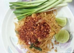 ฝากท้องไว้กับ 'ผัดไทย' แสนอร่อยมื้ออาหารที่ใครทานเป็นต้องติดใจ