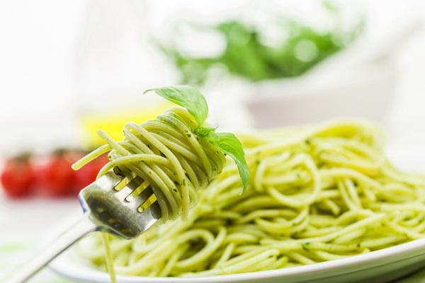 'สปาเกตตี้ผัดเขียวหวานกุ้ง' เส้นอร่อย.. นุ่มละมุนกรุ่นกลิ่นเขียวหวาน