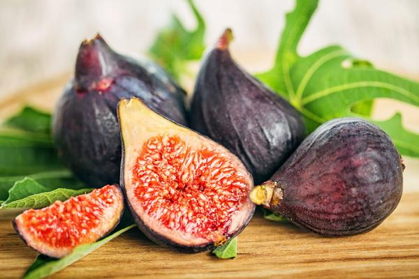 อาการท้องผูกจัดการได้กับ 10 ผลไม้ที่หาง่ายรอบตัว